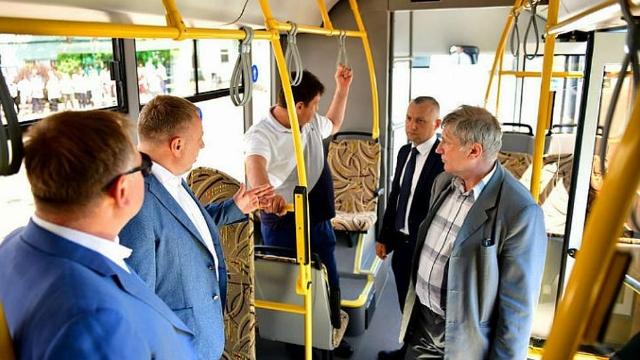 ЗАО «НПК ЯрЛИ» красит новые автобусы для Ярославля